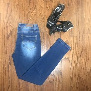 Denim - Royalty Skinny faded wash Jeans Size 6